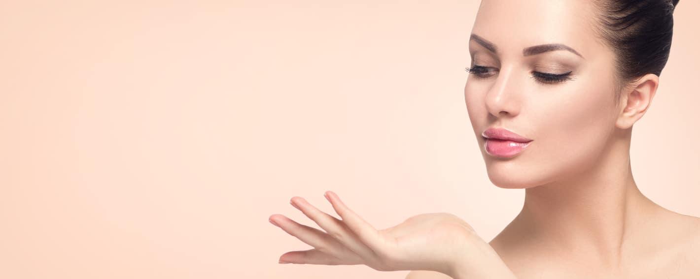 TrattamentoBIO-RIVITALIZZANTEuna pelle idratata, elastica e luminosa